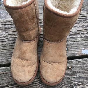 UGG Classic Short II boot in chestnut size 7